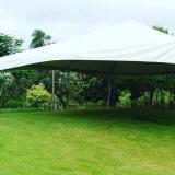 locação de tenda pirâmides casamento São Roque